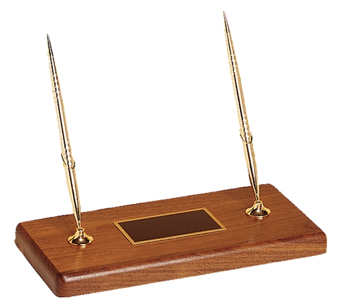 Double pen desk set on a solid walnut base @ Loria Awards